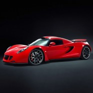 The Battle of the Hypercars. The Bugatti Veyron versus the Hennessey Venom GT