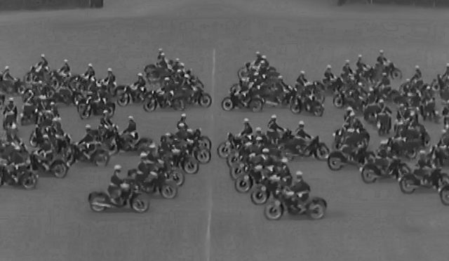 The Great 1950 Synchronized Motorbike Display, Amazingly Hypnotic…