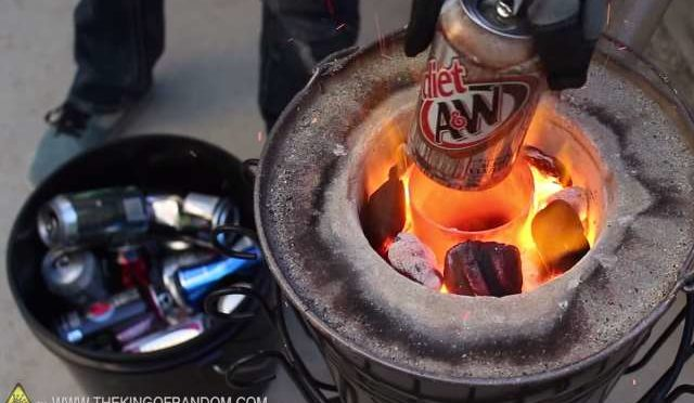 The Home Made Flower Pot Foundry, Melting Aluminium Cans in an Instant…