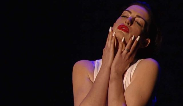 Anne Hathaway doing Miley Cyrus is The Hottest Thing You'll See This Week…