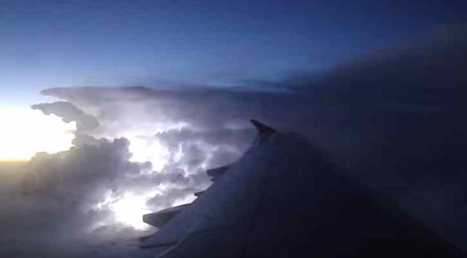 Lightning from Above, Spectacular Sights at 40,000 Feet…